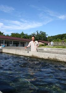 県水産技術センター忍野支所