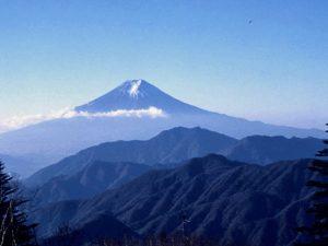 雁ケ腹摺山からの富士