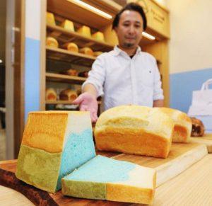「FUJISAN SHOKUPAN」が販売する食パン=富士河口湖町船津
