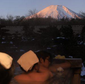 露天風呂から「紅富士」観賞