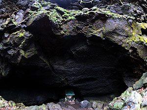 竜宮洞穴(りゅうぐうどうけつ)