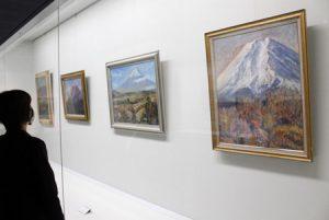 富士山テーマの絵画14点を展示