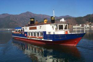 河口湖遊覧船「アンソレイユ号」