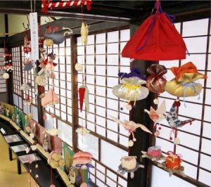 華やかつるし飾り 受講生の作品展示