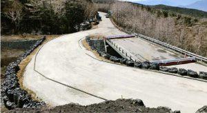 整備が進んでいる仮設道路=富士山5合目付近